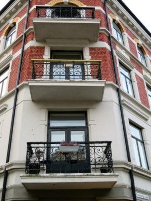 Farlig nedfall fra balkonger